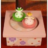 Trousselier Holz-Kinder-Spieluhr Prinzessin und Frosch